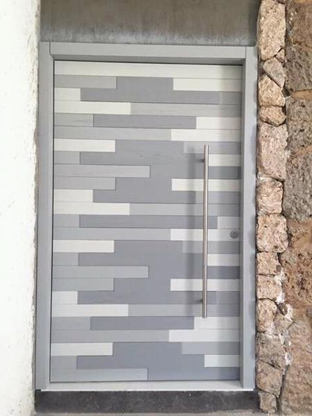 ¿Cuánto cuesta una puerta exactamente igual que la de la imagen?