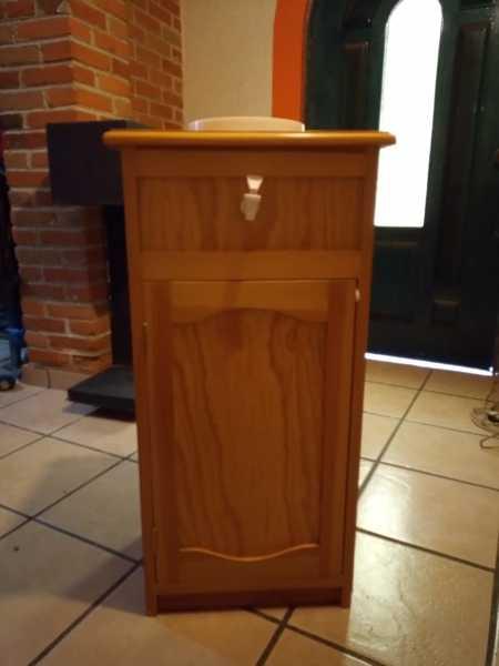 ¿Qué precio tendría hacer un mueble de madera para el garrafón de agua?