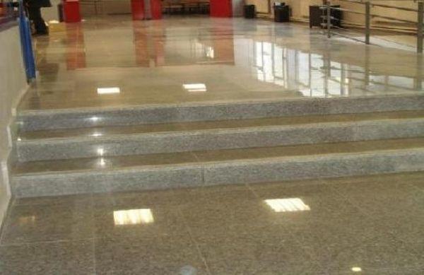 ¿Cuánto cuesta pulir un piso de granito?