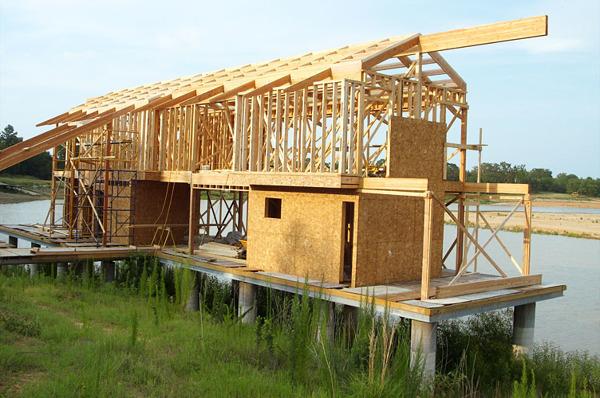 ¿se puede realizar una placa de cemento arriba de una casa de madera?