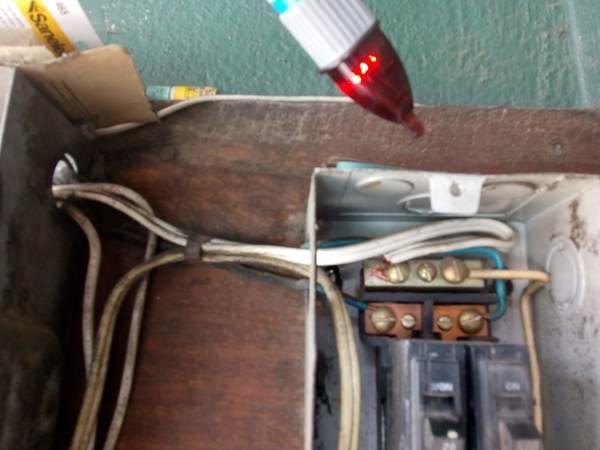 ¿Cómo puedo arreglar caja de electricidad?