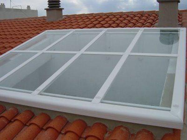 Tragaluz en techo habitissimo for Cortina para claraboya de techo