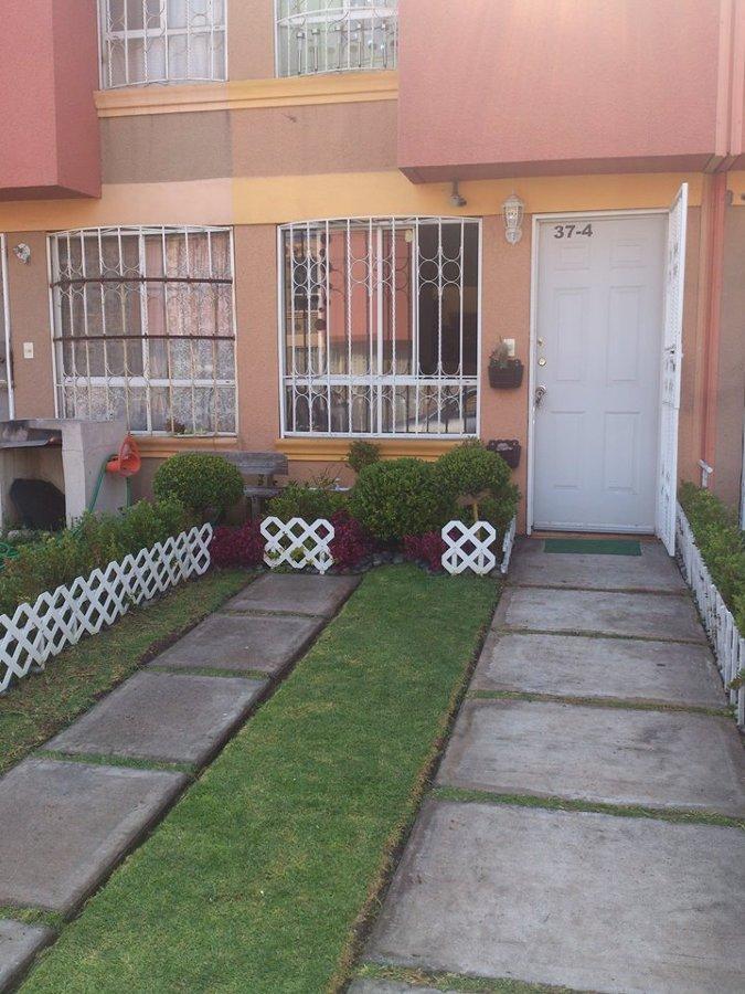 Colocar piso ceramico en cuadros del jardin de la entrada for Precio colocacion piso ceramico