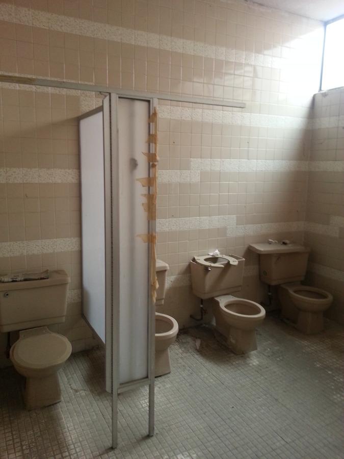 Pisos Para Baños Publicos: de azulejo existente solicito colocador de piso y azulejo plomero y