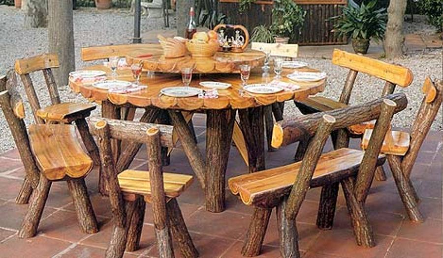 Sillas y mesas en madera imagui for Mesas para bar rusticas