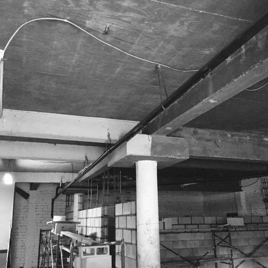 Aislante t rmico para techo interior en acabado blanco for Precio reforma casa por metro cuadrado