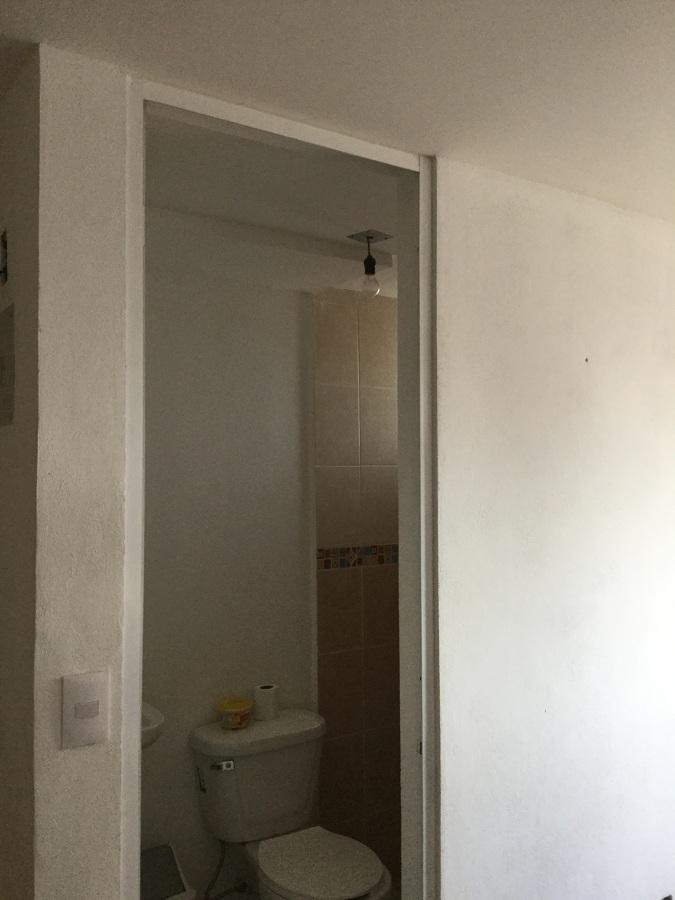 Baño Principal Medidas: Suministro y colocación de puertas baño,recamara y entrad principal