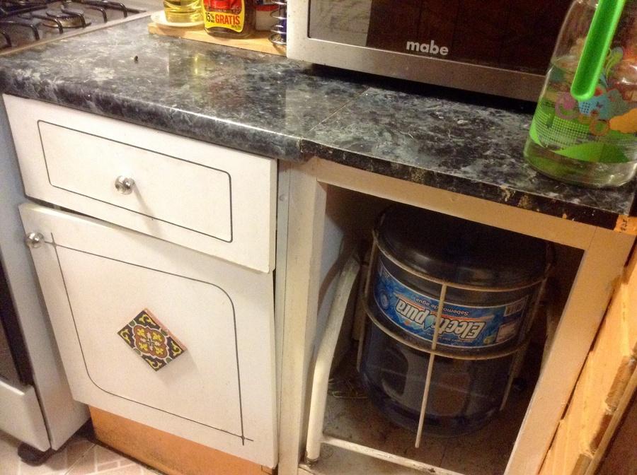 Remodelar los muebles de una cocina peque a lvaro for Remodelar cocina pequena