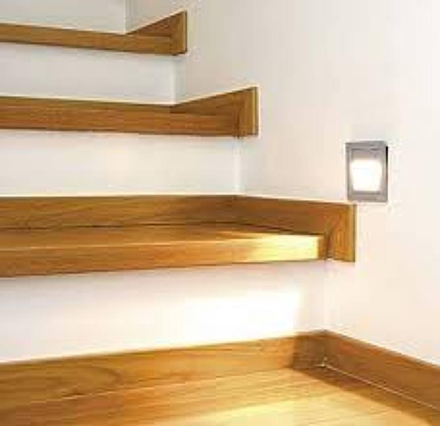 Forrar las escaleras de madera de pino o cedro tec mac for Como trazar una escalera de madera