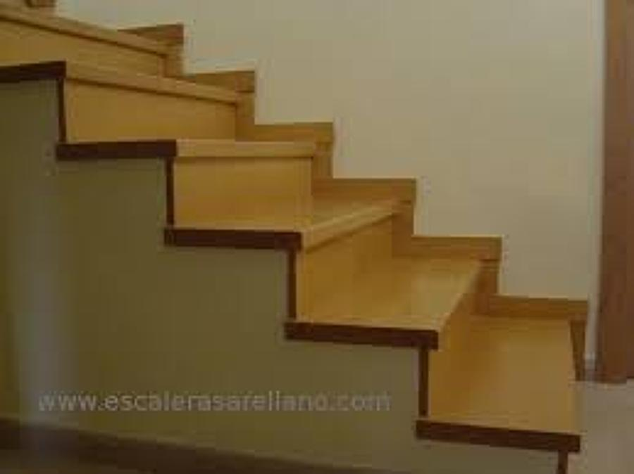 Escaleras interiores de casas related keywords escaleras for Interiores de casas