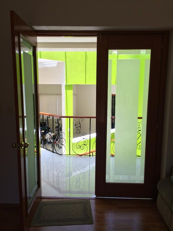 Suministro e instalaci n de puerta para recamara de doble for Precio de puertas de madera para recamara