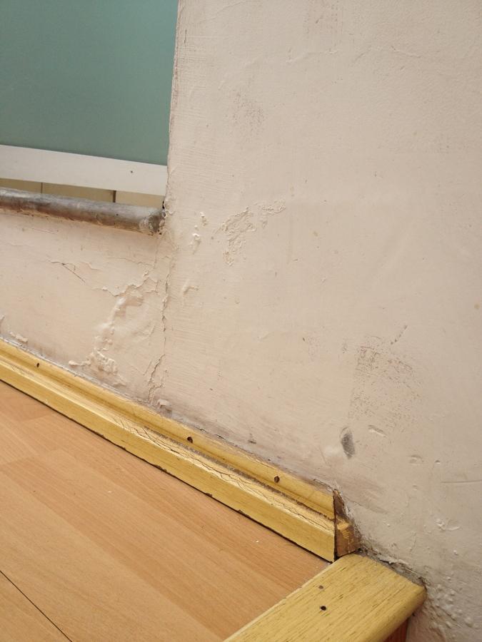 Quitar Azulejos Baño Sin Romperlos:Reparar humedad en techo del baño ...