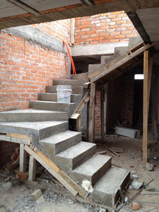 Barandal de cristal templado para escalera quer taro for Escalera electricista madera