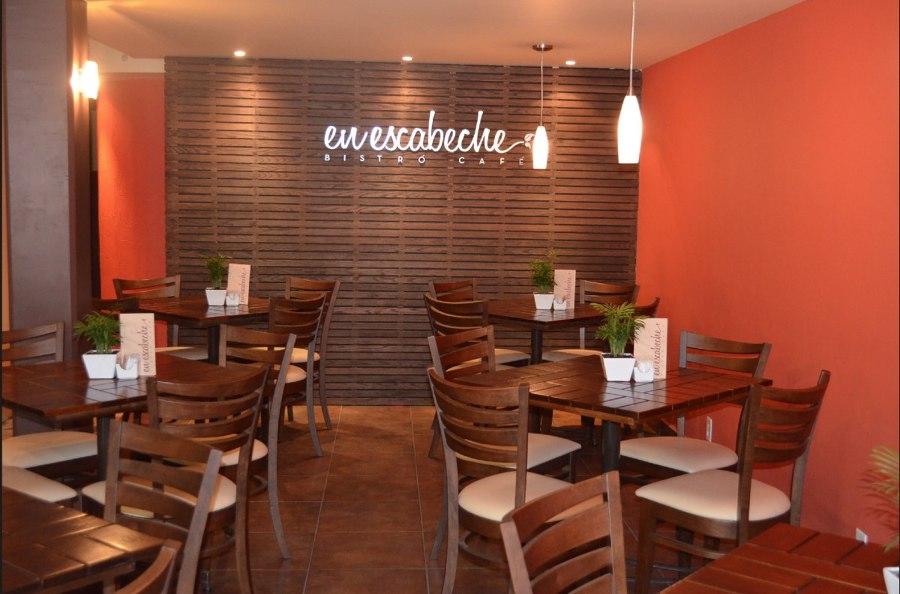 Mesas para restaurante de madera images for Restaurante madera