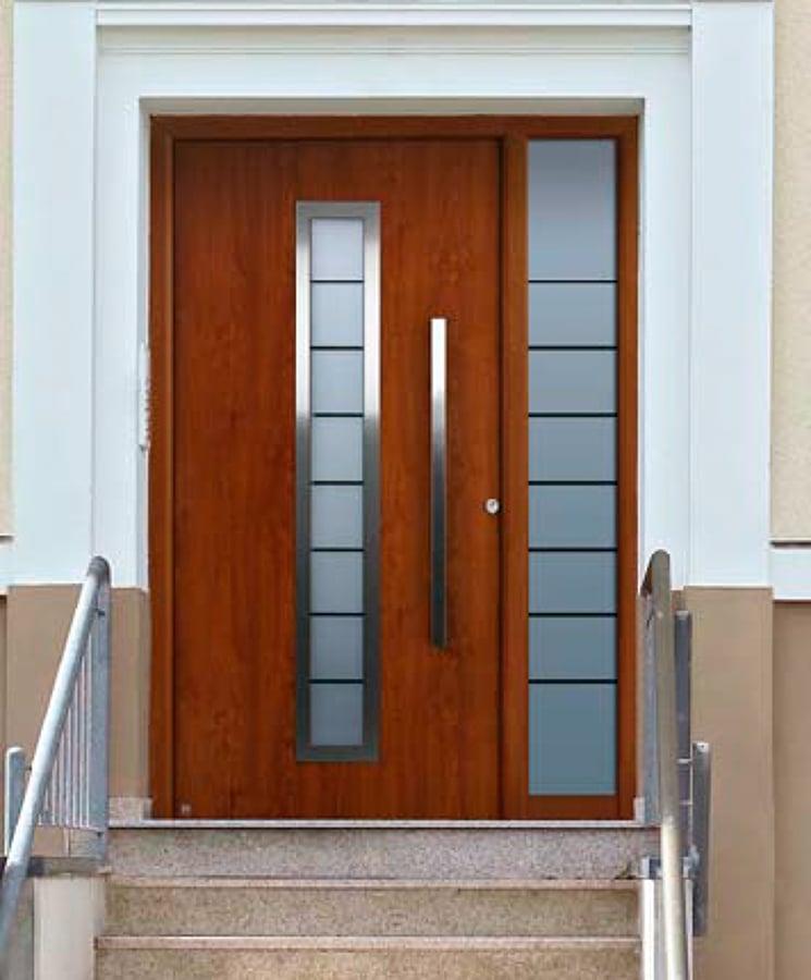 Puertas de aluminio para ba o color madera for Puertas de aluminio y vidrio modernas