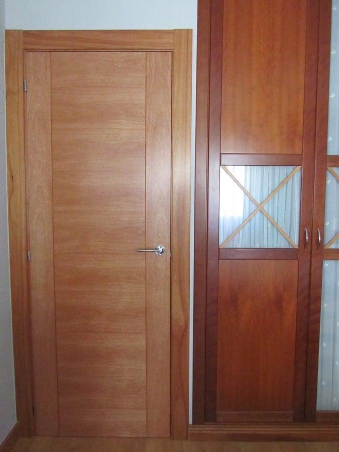 Puertas de madera o prefabricadas para interior de casa for Puertas de madera interiores minimalistas