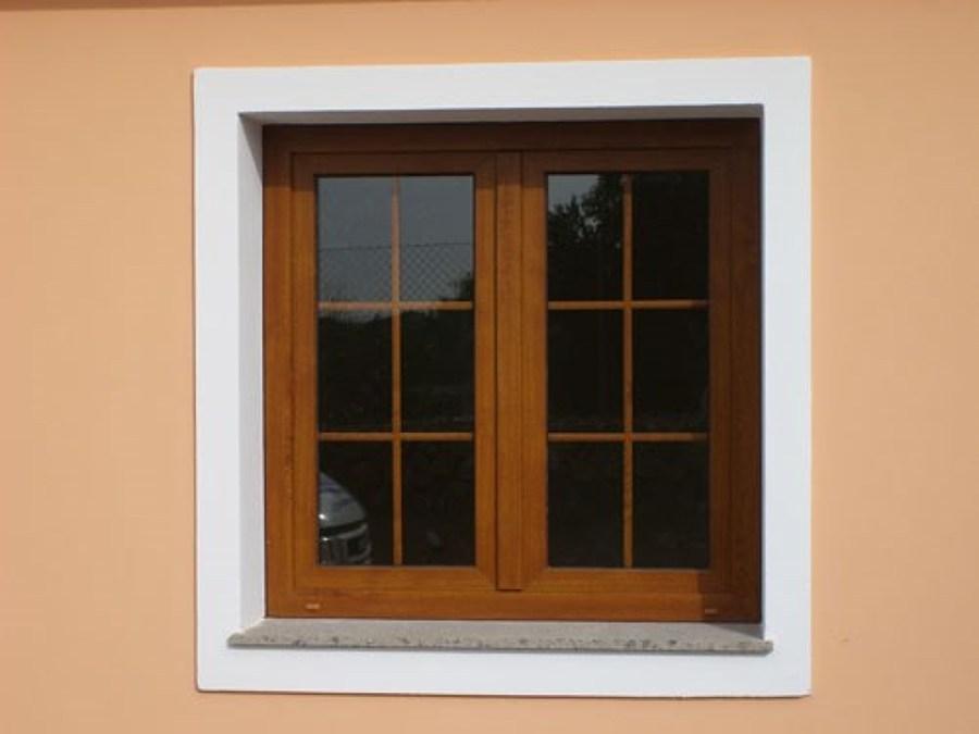 casa de este alojamiento ventanas de aluminio tipo madera