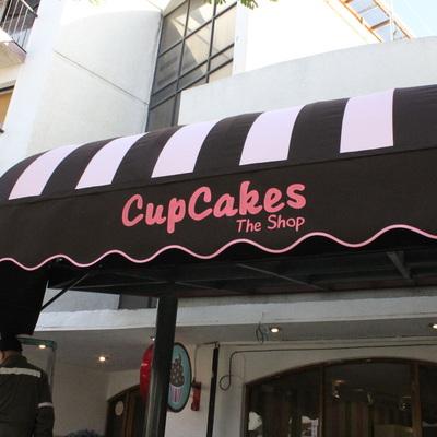 Proveer e instalar toldo para local comercial cafeter a for Toldos para locales
