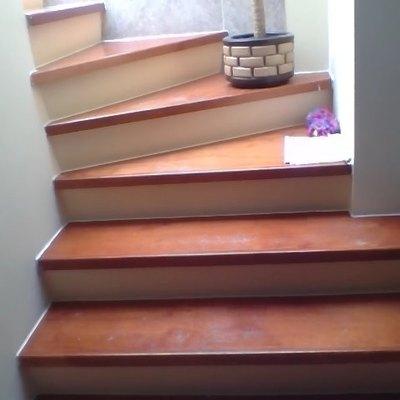 Pulir y barnizar escaleras y puerta de madera los heroes for Puertas pisos precios