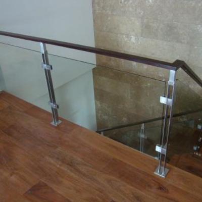 Zahuan y barandal de hierro tambien ventanales de aluminio for Precio del hierro hoy
