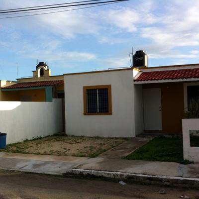 Construcci n de fachada y porche m rida yucat n for Fachadas de casas con porche
