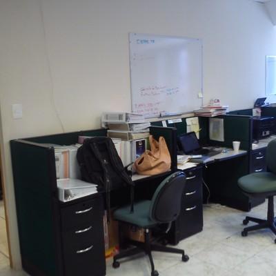 Cargar equipo de oficina de un segundo nivel a un camion for Equipo de oficina