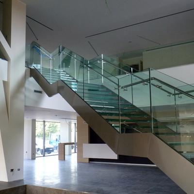 Proyecto y construcci n de casa en tampico 2 plantas for Construccion escaleras interiores