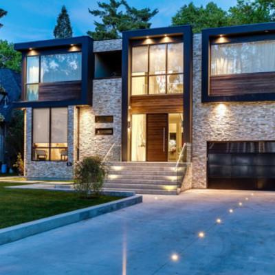 Construir una casa es de 2 pisos con alberca cuento con for Costo de una alberca en casa