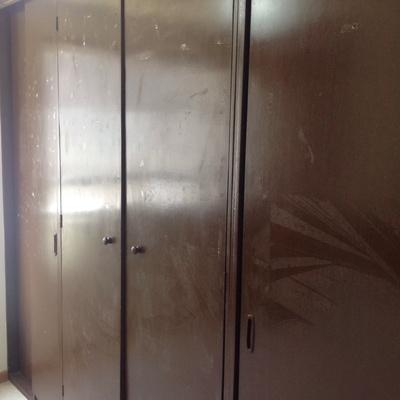 Barnizar closet reparar colores de madera cuautitl n for Closets estado de mexico