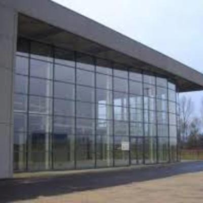 Muro de cristal para oficinas quer taro quer taro for Muro cristal