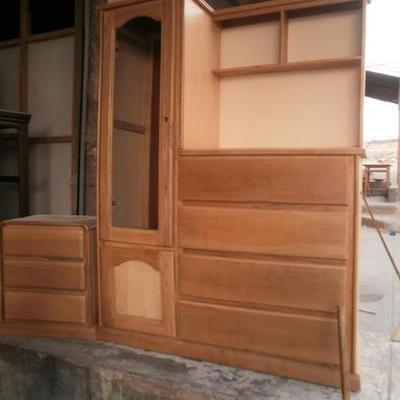 Hacer un ropero con 5 cajones y dos estantes for Closet de madera con zapatera