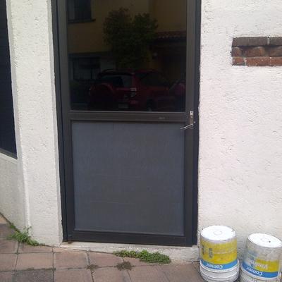 Puerta de aluminio la magdalena contreras distrito for Presupuesto puerta aluminio