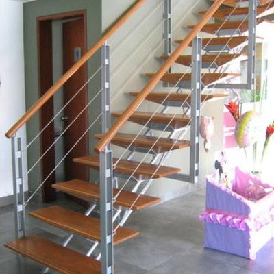Hacer escalera para un tercer nivel met lica y madera for Gradas metalicas para interiores