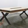 Mesa de madera sobre diseño