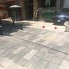 Instalación de postes en estacionamiento