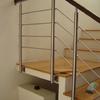 Barandal de acero inoxidable para una casa de dos niveles