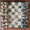 Caja de madera barnizada simple