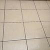 Reparar humedad en techo del baño quitar y poner unos azulejos del lavadero para trabajar sólo en sábados