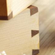 que tipo de madera me recomiendar para fabricar puertas, closets y cocina integral nuevas basandose en la relacion costo/calidad